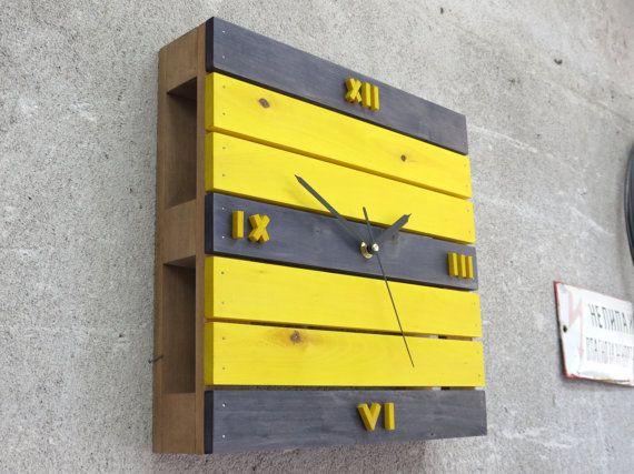 Les 25 meilleures id es concernant horloge num rique for Calendrier digital mural