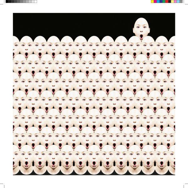 Vincent de Hoe http://www.spazio81.net/wpsite/news/4694 ha creato nella nostra Sezione Editoriale, in copie da collezione, un libro fotografico di scatti a colori,utilizzando la copertina telata ad impreziosire ulteriormente il libro.
