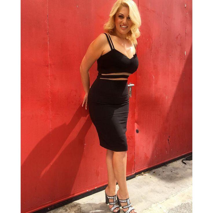 Hot Hot Nancy Paradeisanou in #MIGATO ES3392 black and white mule!  Shop Link ► bit.ly/ES3392-L2Aen