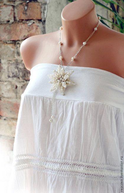 Купить Цветок Лотоса - брошь/подвеска - уникальный подарок, подарок для нее, уникальное украшение, Вышивка бисером