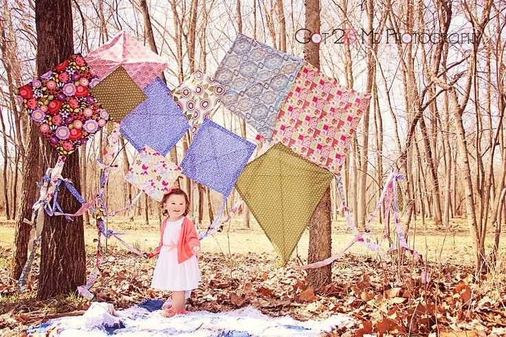 Handmade Kites | Spring Mini Sessions 2014 www.got2bmephotography.com | facebook.com/got2bmephotography