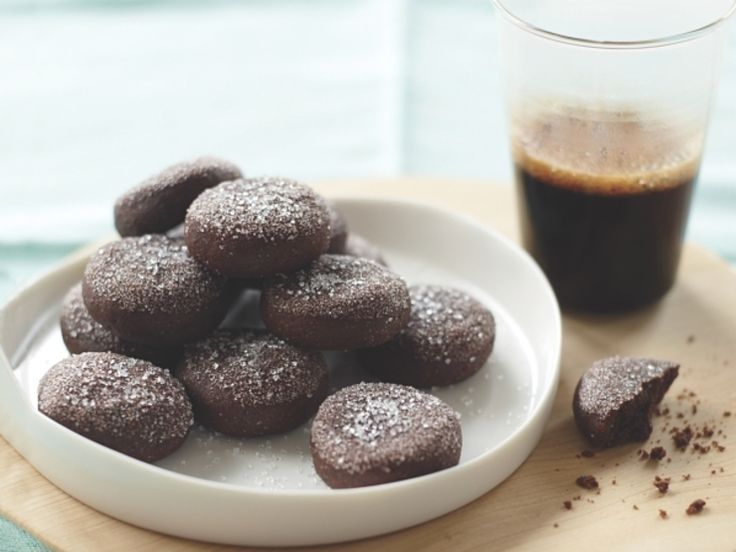 Dark Chocolate Crackle Cookies http://www.prevention.com/food/healthy ...