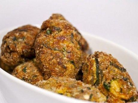 Egészséges cukkini fasírt recept. Válogass a többi fantasztikus recept közül az Okoskonyha online szakácskönyvében!