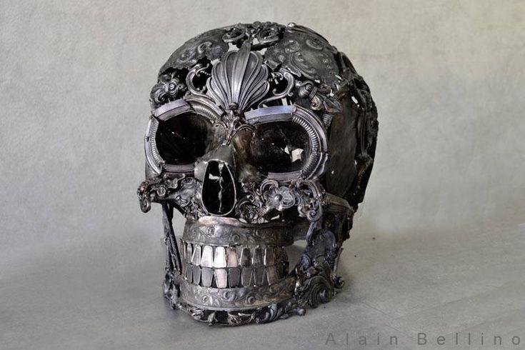 metal skull by Alain Bellino - Restaurateur d'orfèvrerie poussé par son inspiration, il recycle vieux bronzes et vieilles ornementations pour « leur donner une seconde vie autrement »