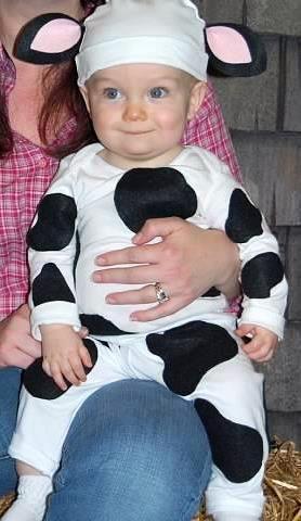 newmomatfortycom super easy last minute cow costume - Baby Cow Costume Halloween