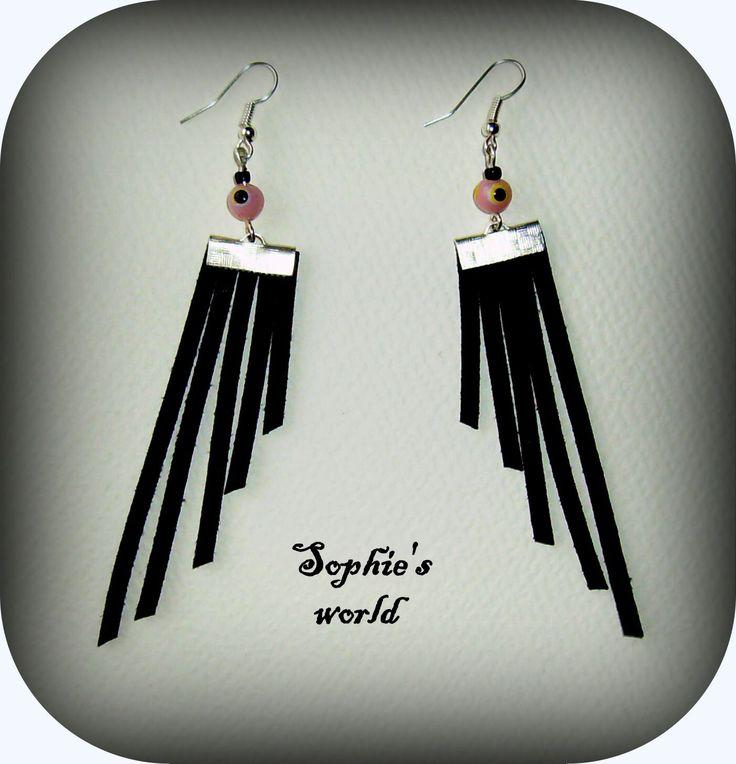 #black #wings #earrings #suede #evileye #handmade χειροποιήτα σκουλαρίκια με μαύρο σουέτ κ ροζ χάντρες ματάκια https://www.facebook.com/SophiesworldHandmade/