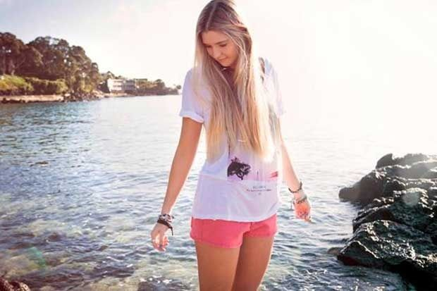 Jamie mcdell is a newzealand singer you should check out her songs on youtube im trying to make her more famous around the world please share!!!