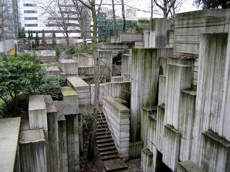 Freeway Park, Seattle, USA. (1976) Architects Lawrence