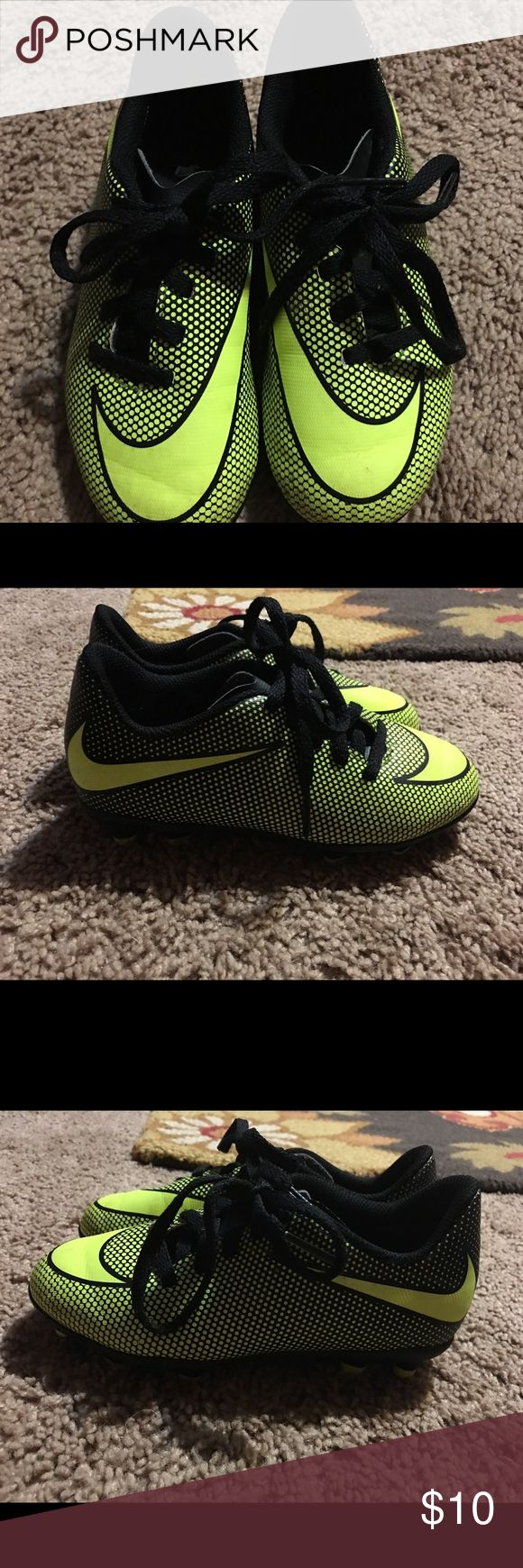 Boys' Nike Soccer Cleats Toddler size 11. USED condition. Nike Shoes