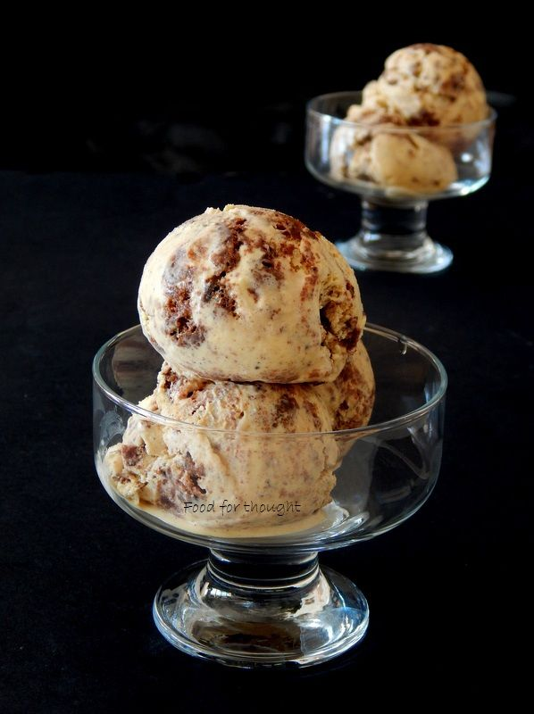 Παγωτό μπράουνι.  Brownie ice cream.  http://laxtaristessyntages.blogspot.gr/2015/09/brownie-ice-cream.html