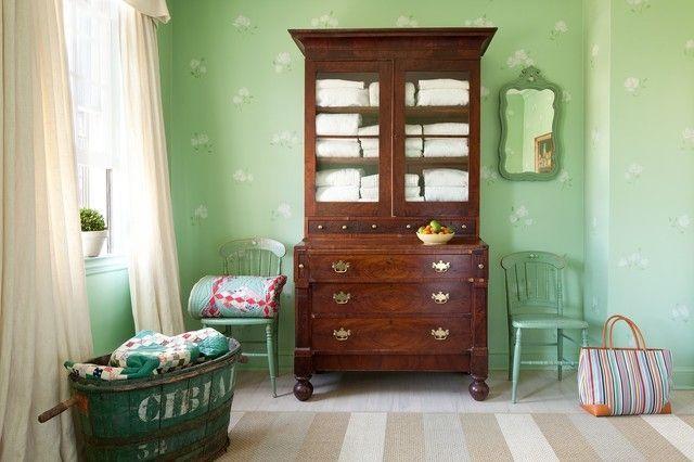 Зеленые обои в интерьере: как придать пространству свежести и 50+ лучших сочетаний http://happymodern.ru/zelenye-oboi-v-interere-55-foto-kak-sdelat-komnatu-uyutnoj/ Зеленые обои великолепно дополняют стиль кантри