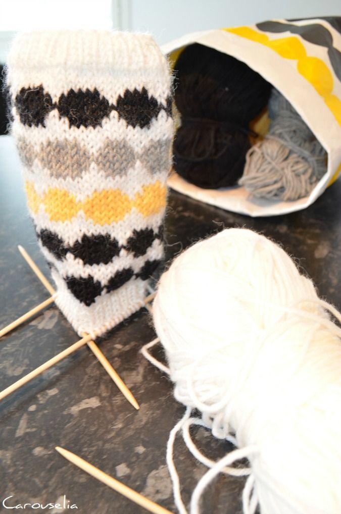 CAROUSELIA - kolmen karuselli: Puikoilla Räsymatto -villasukat // Räsymatto woolen socks in progress