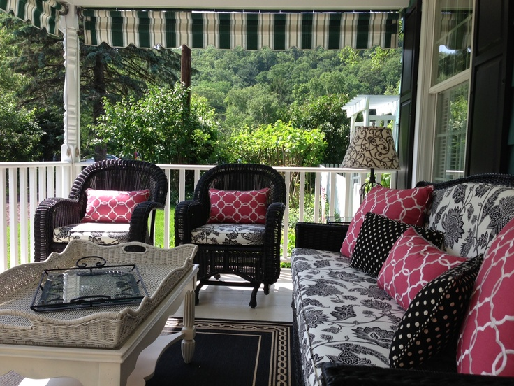 Just covered my outdoor cushions and am so happy with the result! Great way to update your outdoor look.