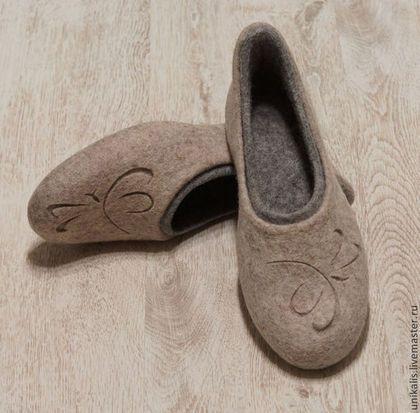 """Обувь ручной работы. Заказать Валяные тапочки-балетки """"Стрекозы. Японская каллиграфия"""". Алеся Исмагилова (unikalis). Ярмарка Мастеров."""