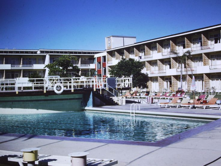 The Chevron, Surfers Paradise 1959
