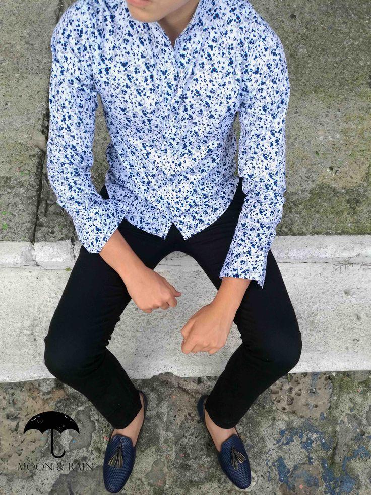 Camisa Flores, pantalón de gabardina y loafer en piel tejida |Moon & Rain por Tiendas Platino