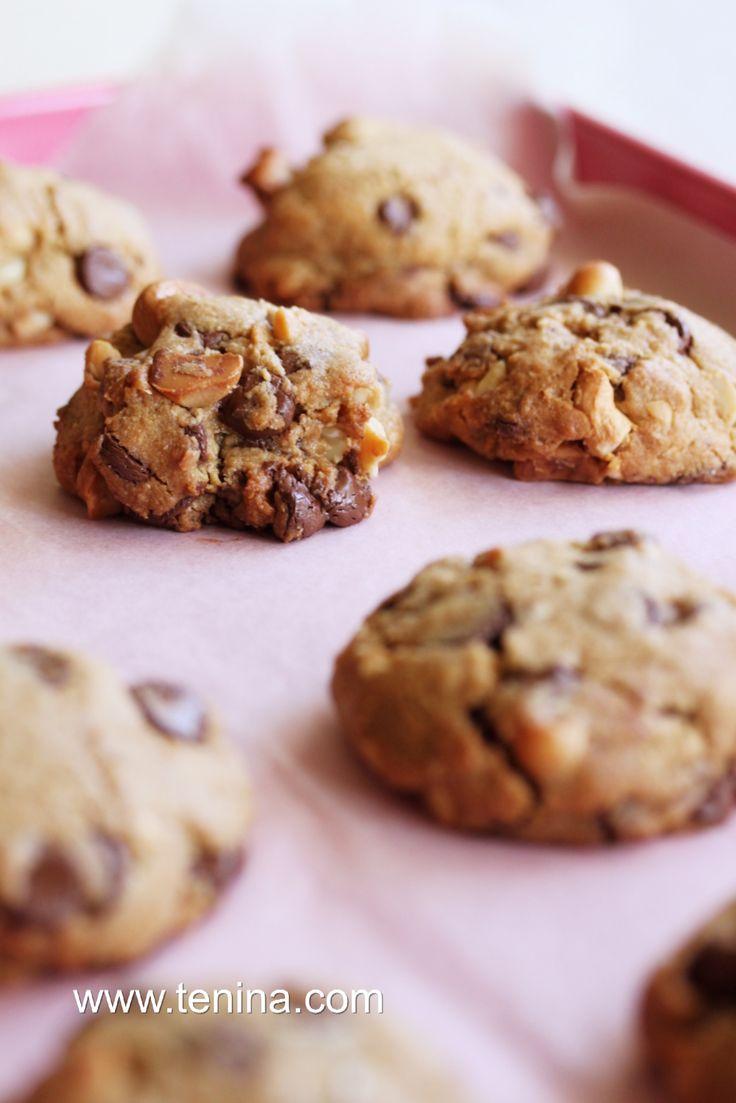 Thermomix recipe: Nutty Chocolate Chip Cookies · Tenina.com