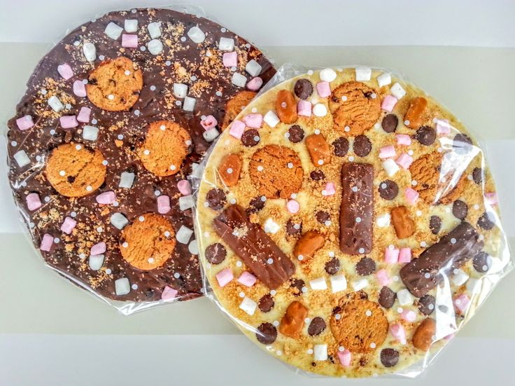 Hotel Chocolat Style Chocolate Slabs Gift Recipe with Pizza Tin