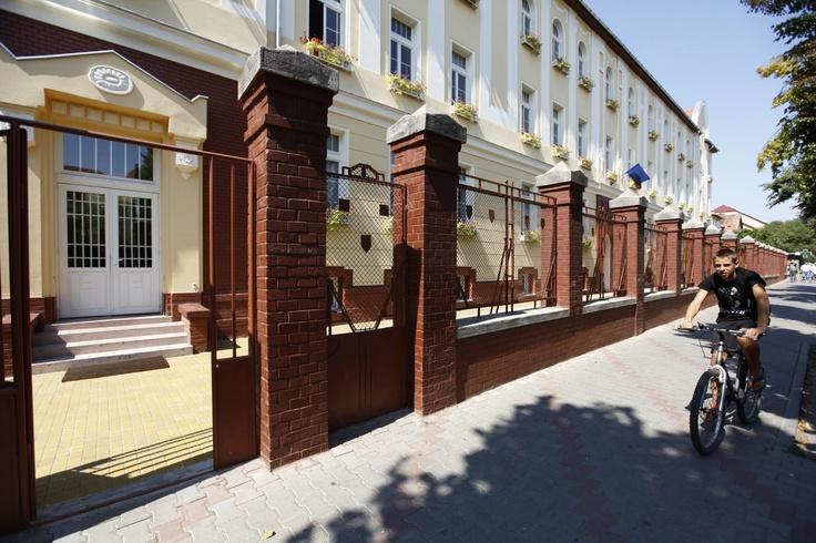 """Consolidarea si modernizarea cladirii vechi a Colegiul National """"Andrei Muresanu"""" din Bistrita. Valoarea proiectului: 8.383.192 lei"""