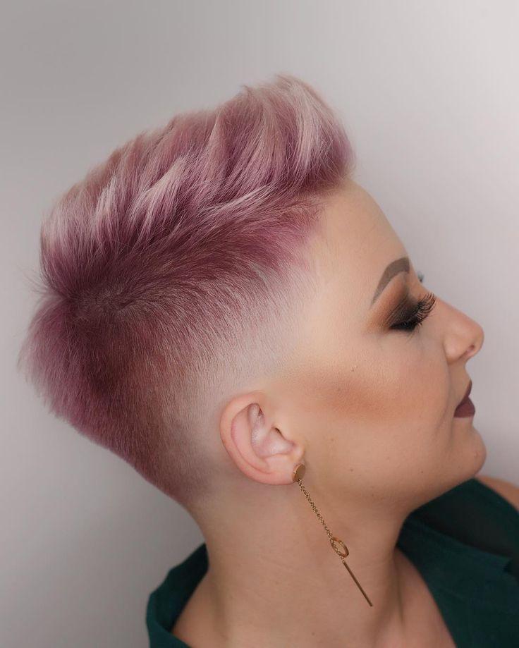 Pink Fade 👍🏼👎🏼 Frisur von mir und Make-up von Paula Alvarez.danielaa —————————————————— #sharpfade #f …