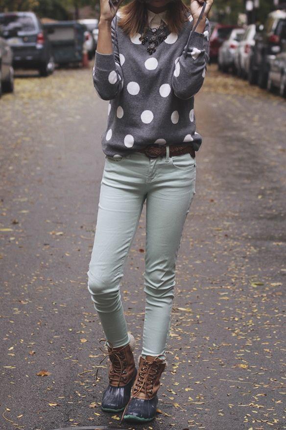 polka dot sweater and mint skinnies