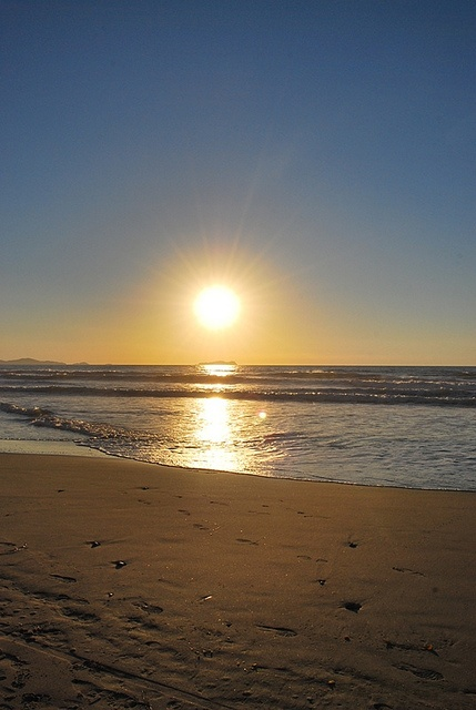 Playas de Tijuana by Sërch, via Flickr