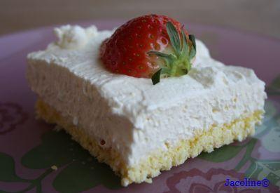 Een taartje om van te smullen.....     Ik wilde graag een nieuwe, suikervrije, glutenvrij en koolhydraatarme taart maken, maar ook gesc...
