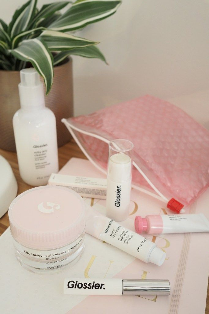 Have you heard the news? Glossier has FINALLY launched in the UK! Take a look at my thoughts on the products you need to try first including the Glossier Milky Jelly Cleanser, Glossier Priming Moisturiser Rich and the Glossier Balm DotCom Universal Skin Salve.