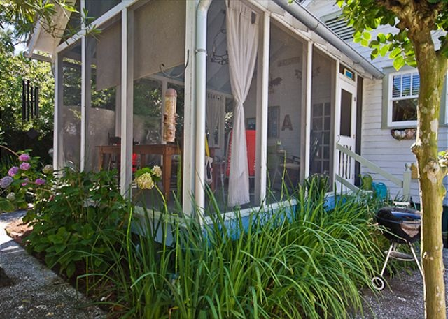 Tybee Island, GA United States - Jensen Cottage c1920 | Mermaid Cottages, LLC