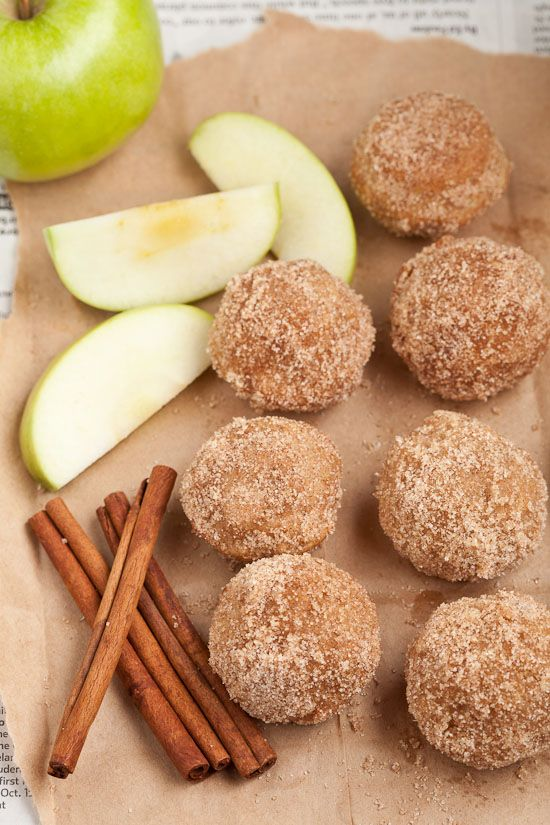 Apple Spice Baked Doughnut Holes - yummy, healthier doughnuts with whole wheat, apples, and cinnamon sugar coating!