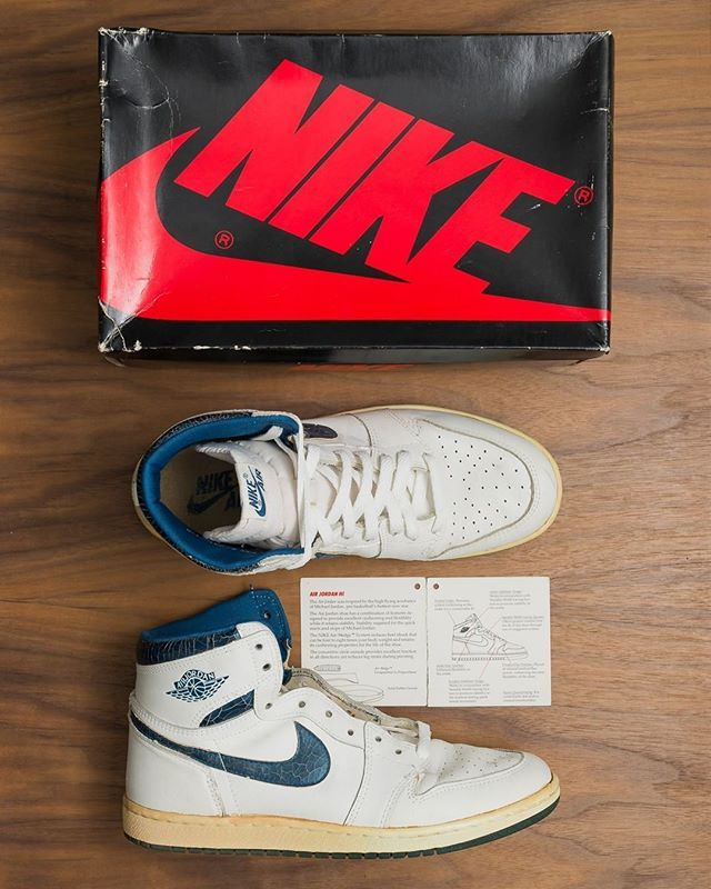 separation shoes 1bfa4 7e0f1 Air Jordan 1 Metallic Blue 1985. Which older pairs are you aiming to add to  your collection in 2019? #hskicks : @bryantglopez