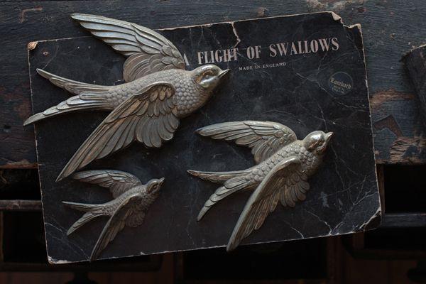 Beautiful antique birds: Hearing Birds, Swallows Pin, Metals Birds, Antiques Metals, Vintage Metals, Antiques Swallows, Metals Swallows, Antique Metals, Inspiration Lane