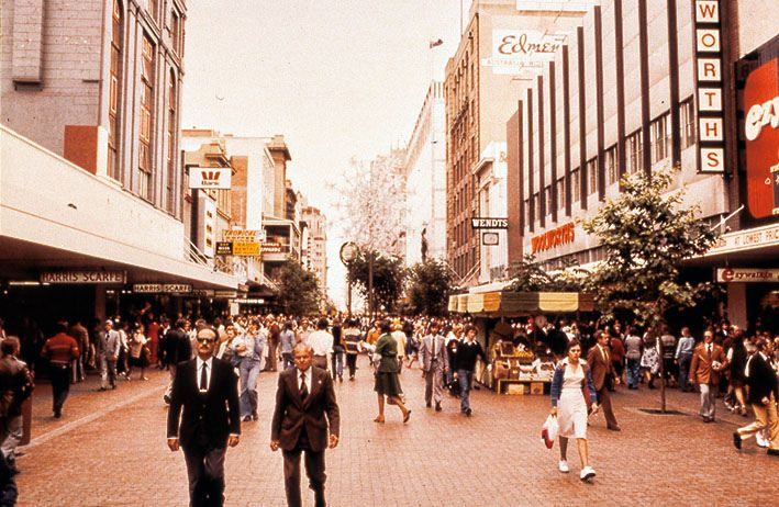 Rundle Mall, 1970's | Note the Harris Scarfe building to the left (now demolished) and the Woolworths store. Department of Education slide. Ezywalkin Shoe shop. https://flic.kr/p/9EMAU7 |