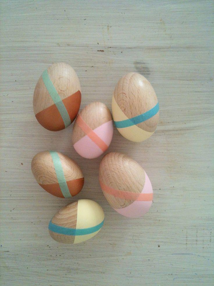 wooden eggs, paint & masking tape / www.trespluscool.com