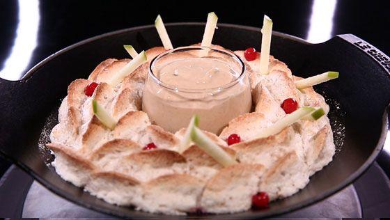 - Meringue aux noix- Compote de pomme au naturel- Réalisation