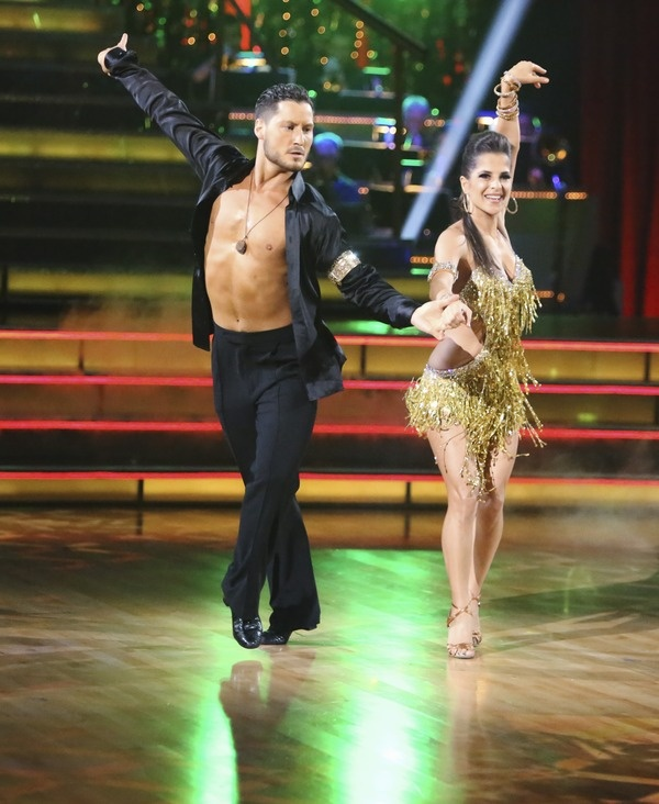 val and kelly dancing with the stars dating It's no secret that dancing with the stars pro val chmerkovskiy and general hospital star kelly monaco shared an undeniable chemistry on.