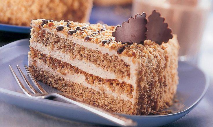 Tort festiv cu nuci Rețetă: Tort absolut delicios și deosebit, perfect pentru orice ocazie festivă - Una dintre sutele de retețe delicioase de la Dr. Oetker!
