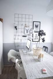 Risultati immagini per muri decorati con vernice cromata