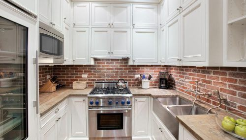 Pictures Of Backsplashes In Kitchens with Brick Backsplash #ModernKitchen #MinimalistKitchen #ModernInterior #MinimalistInterior