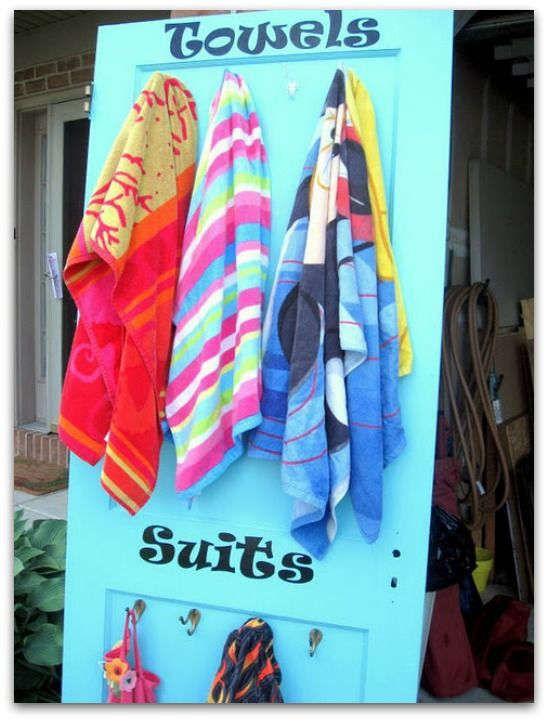 Support pour serviette de plage et maillot de bain