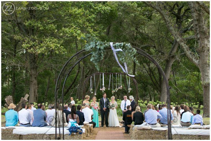Outdoor Wedding Ceremony under Oak Trees. Wedding at Beloftebos, Stanford. #ZaraZoo #Photography #Wedding