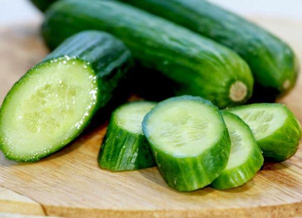 Az #uborka a legkevesebb kalóriát tartalmazó élelmiszerek közé tartozik. 100 gramm nyers uborka csak mintegy 12 kalóriát tartalmaz
