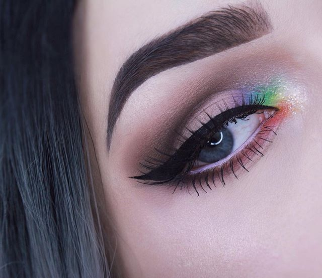 "Rainbow inner corner today I was feeling inspired by the @bitter.lace.beauty rainbow highlight that I'm dying to get my hands on! --------------------------------- Makeup details: Brows| @anastasiabeverlyhills dipbrow in ""ash brown"" and @anastasiabeverlyhills clear brow gel Eyes