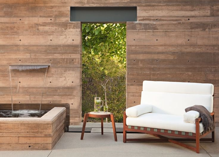 Outdoor living & water feature