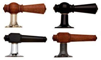 Vores traditionelle dørgreb i træ findes i mange udformninger og kombinationer…