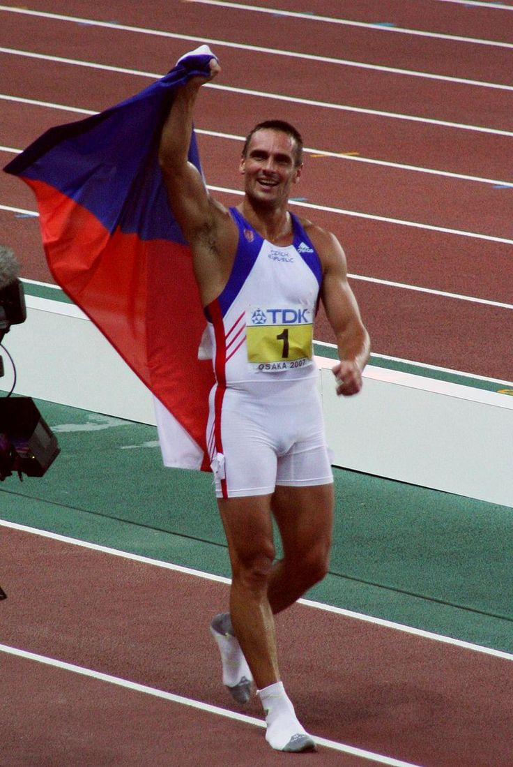 Decathlonist Roman Šebrle celebrates his Gold medal in Athens 2004​ #decathlon #Czechia