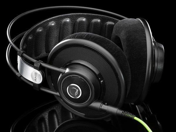 AKG Q701 (Black)