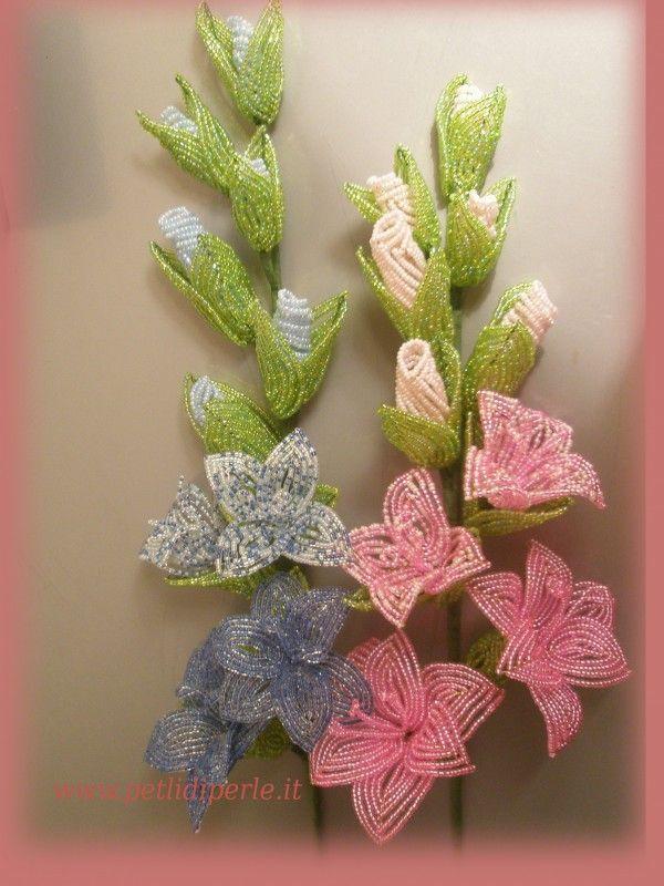 Ramo di gladiolo Gladioli rosa e azzurro fiori di perline - french beaded flowers