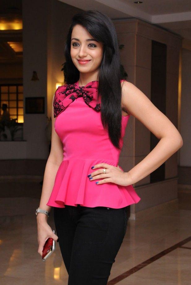 Trisha Krishnan at Endrendrum Punnagai Success Meet
