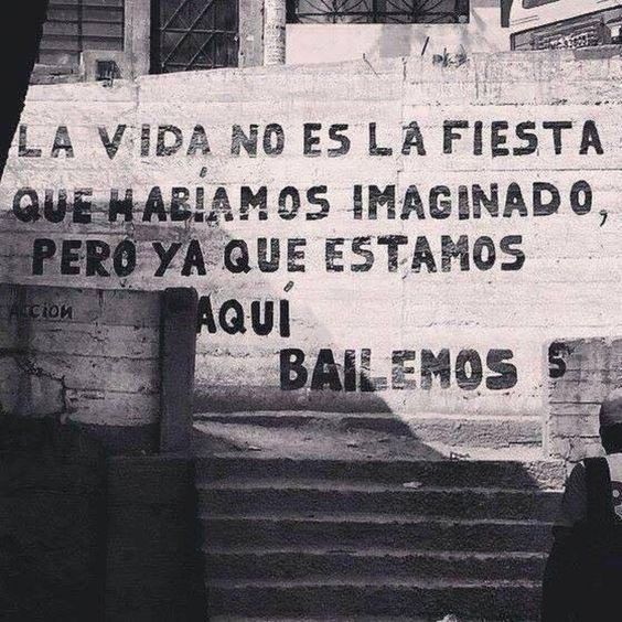 ¿vamos a bailar?  . #Frasessoltas #Ironias #reflita #Life #Fun #Cool #Felicidade #Estilodevida #Obomdavida #Sejaleve #Urbano #Arte #Criativo #Sorria #Smile #Style #Drawup #Grafite #Followme #Office #Musica #Like #Street #Words #Frase Curta: @Frasessoltasf